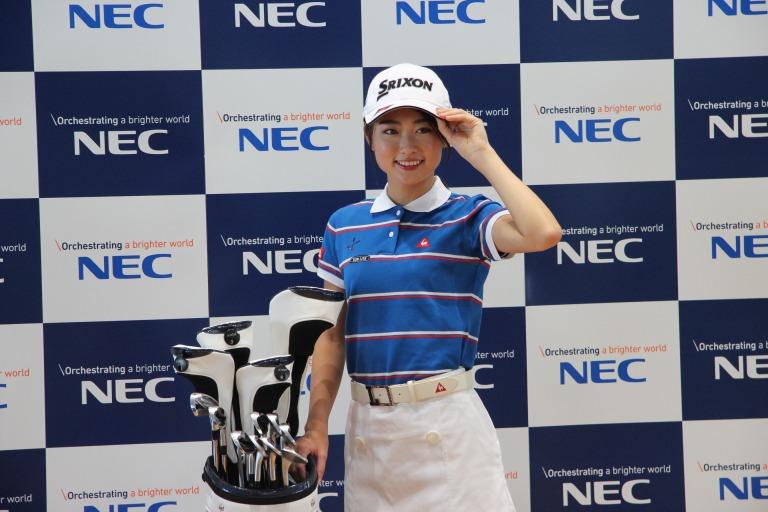 女子プロゴルファーのスポンサー契約と金額